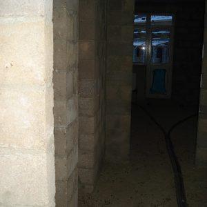 Ремонт таунхауса, коридор первый этаж, как было