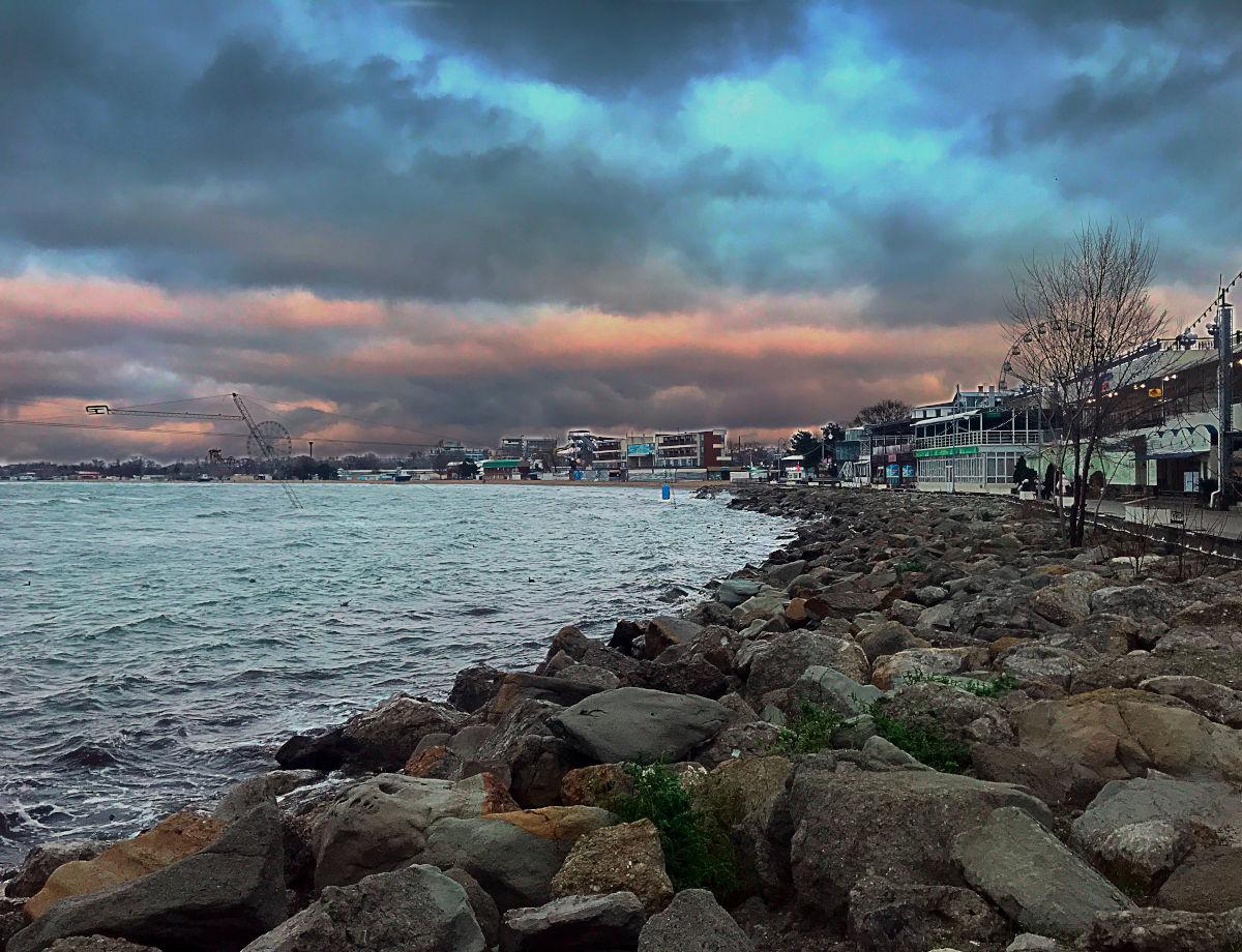 Пляж Анапы, декабрь 2019
